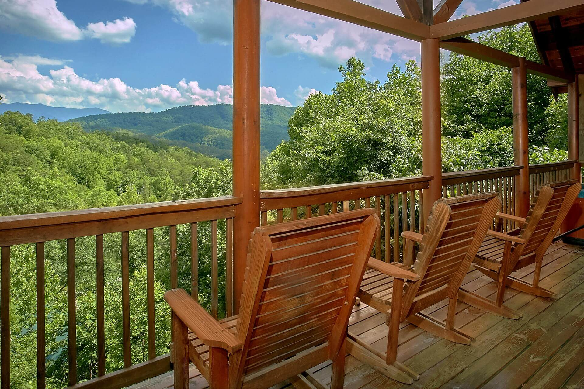 elk mountain chat rooms Book harmony hostel, banner elk on tripadvisor: see 25 traveler reviews,  444  beech mountain pkwy, banner elk, nc 28604-8012  room & suite (7)  fire  around the fire pit with another guest and chatting with a european guestmore.