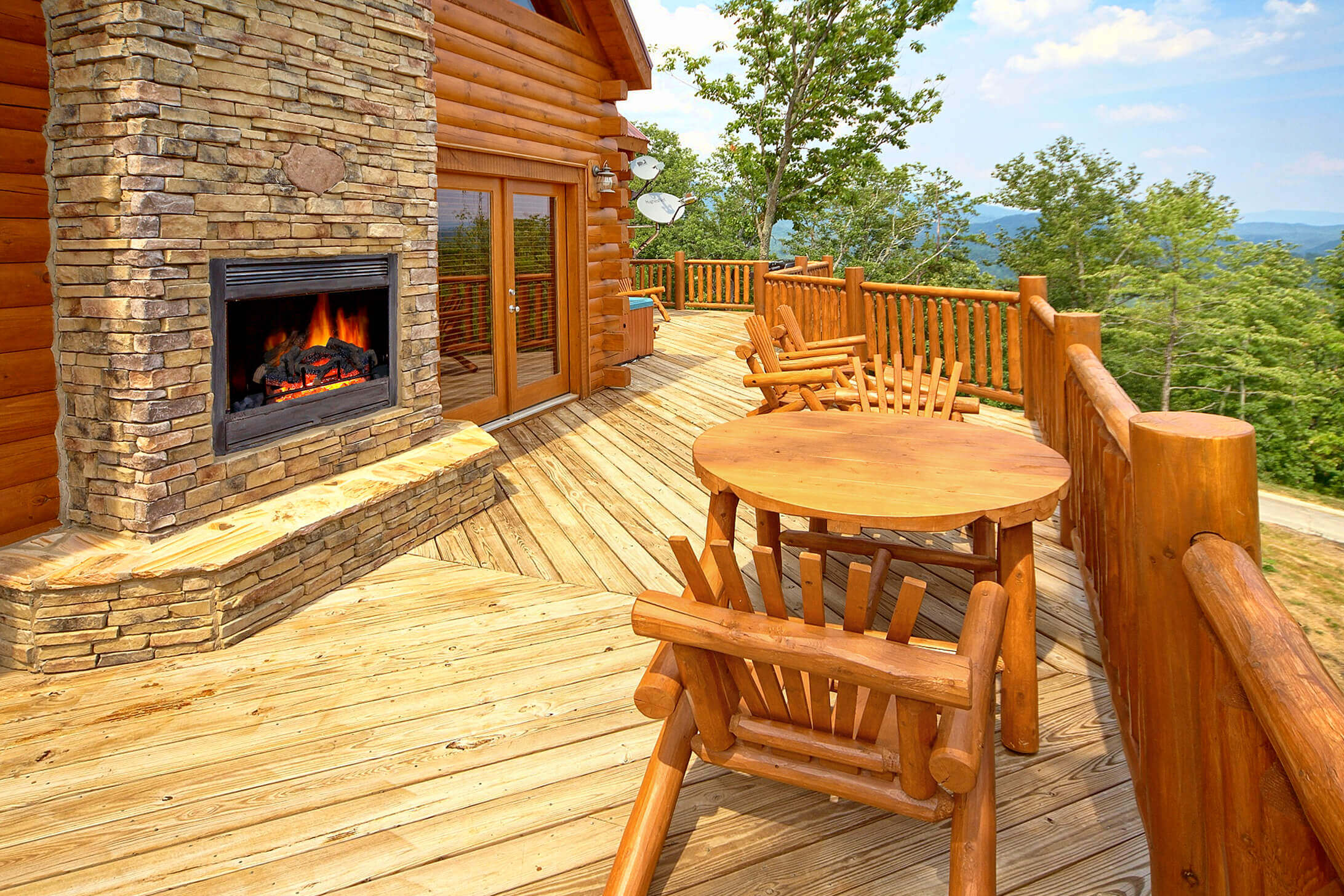 3 bedroom cabins in gatlinburg tn for rent elk springs for Best mountain view cabins in gatlinburg tn