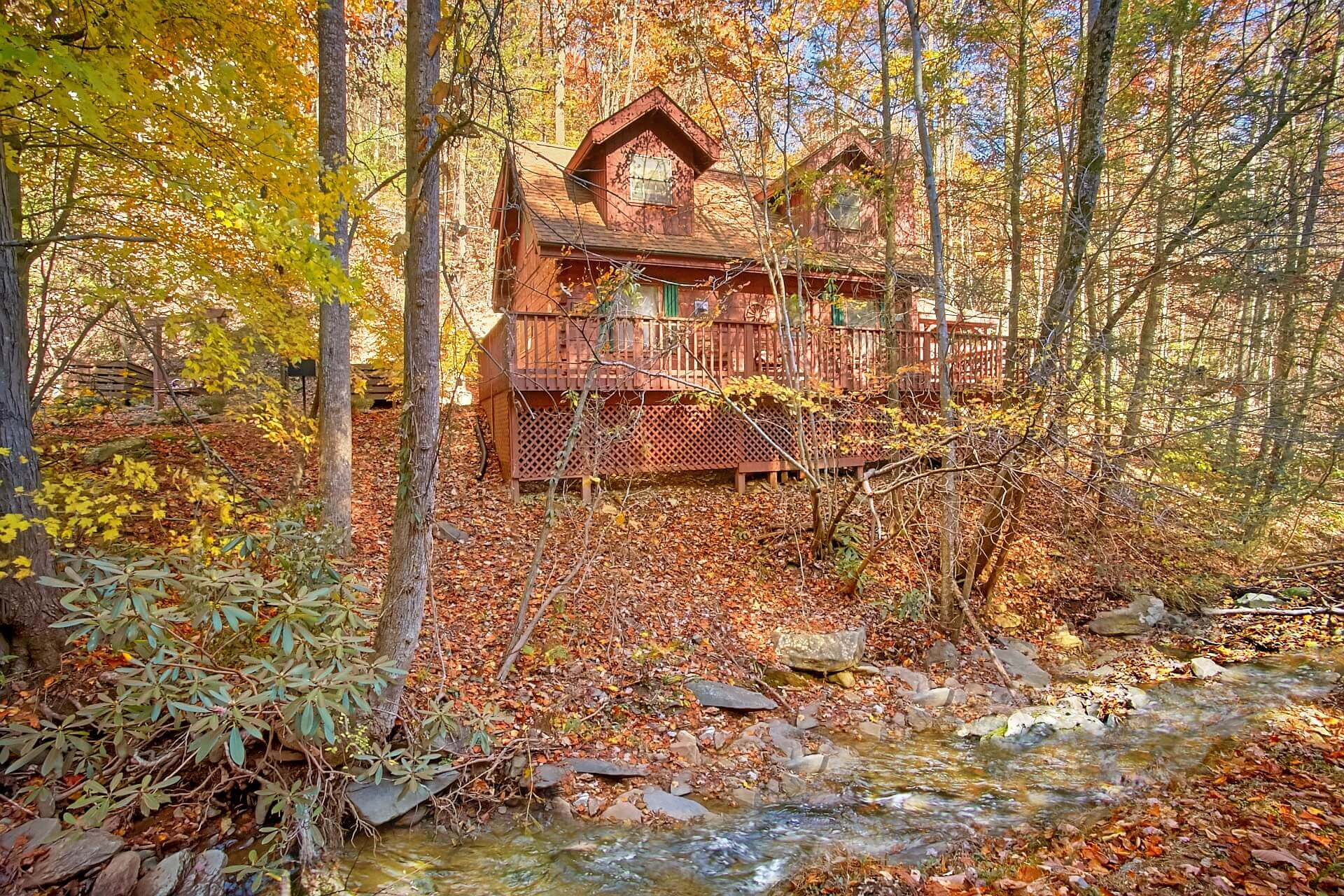 for rent under pool pigeon friendly tn in cabins pet cabin dollywood luxury indoor near forge