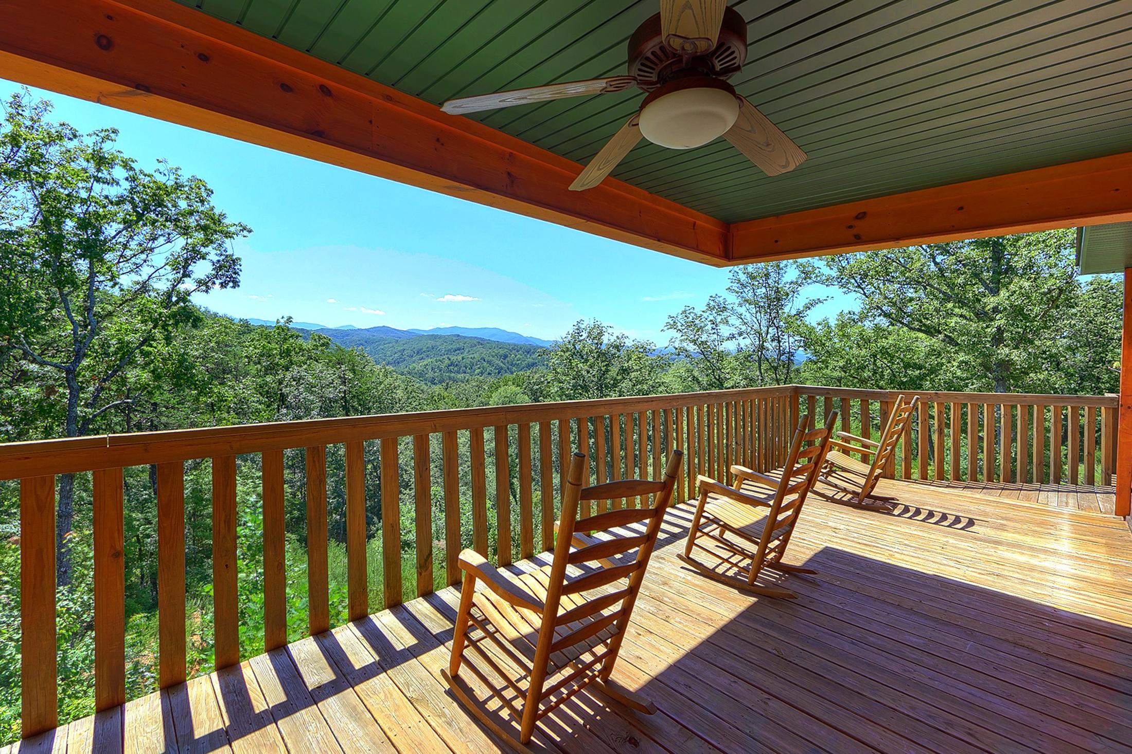 Big Bear Lodge cabin in Sevierville | Elk Springs Resort