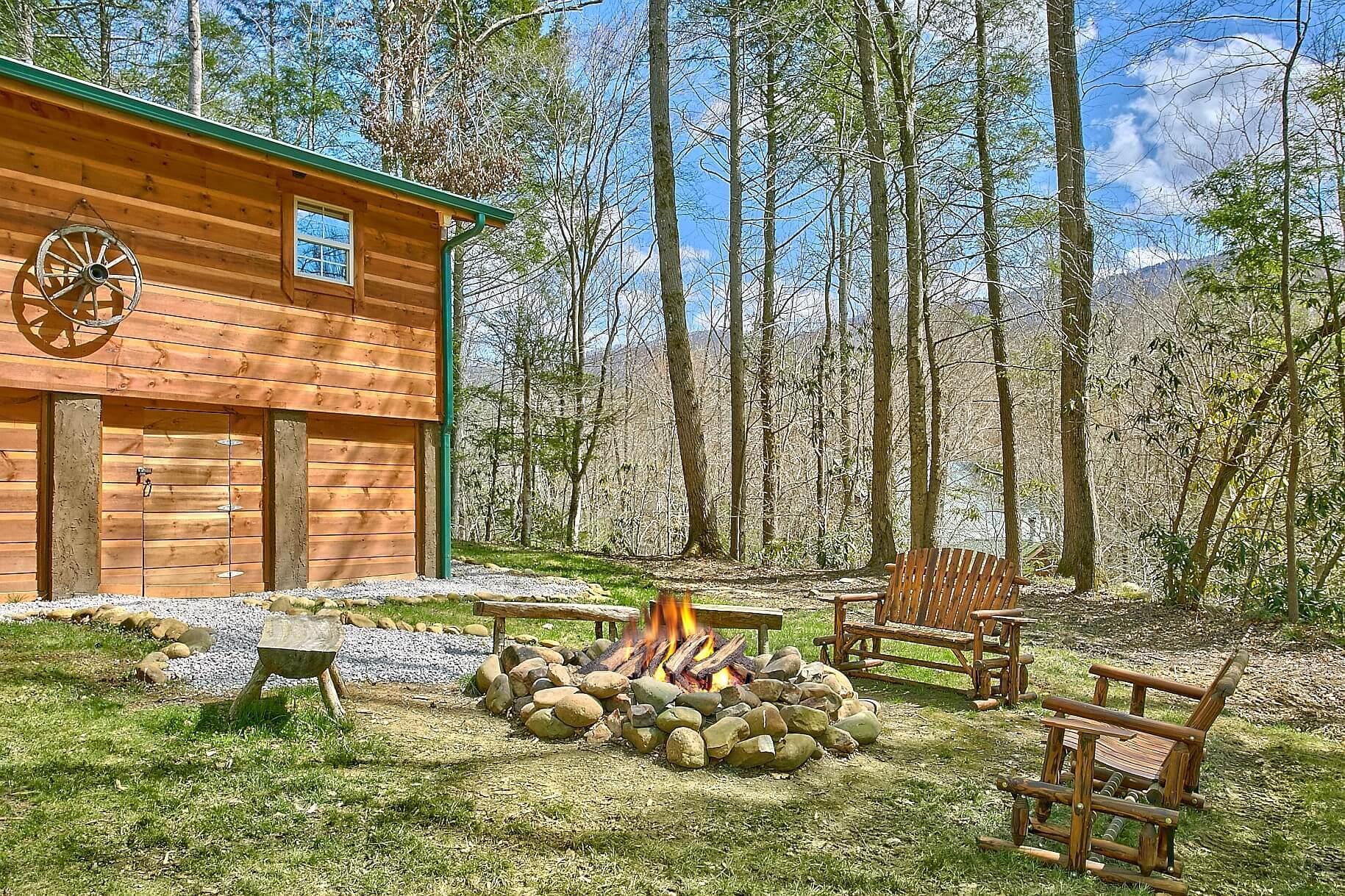black bear creek cabin in gatlinburg | elk springs resort