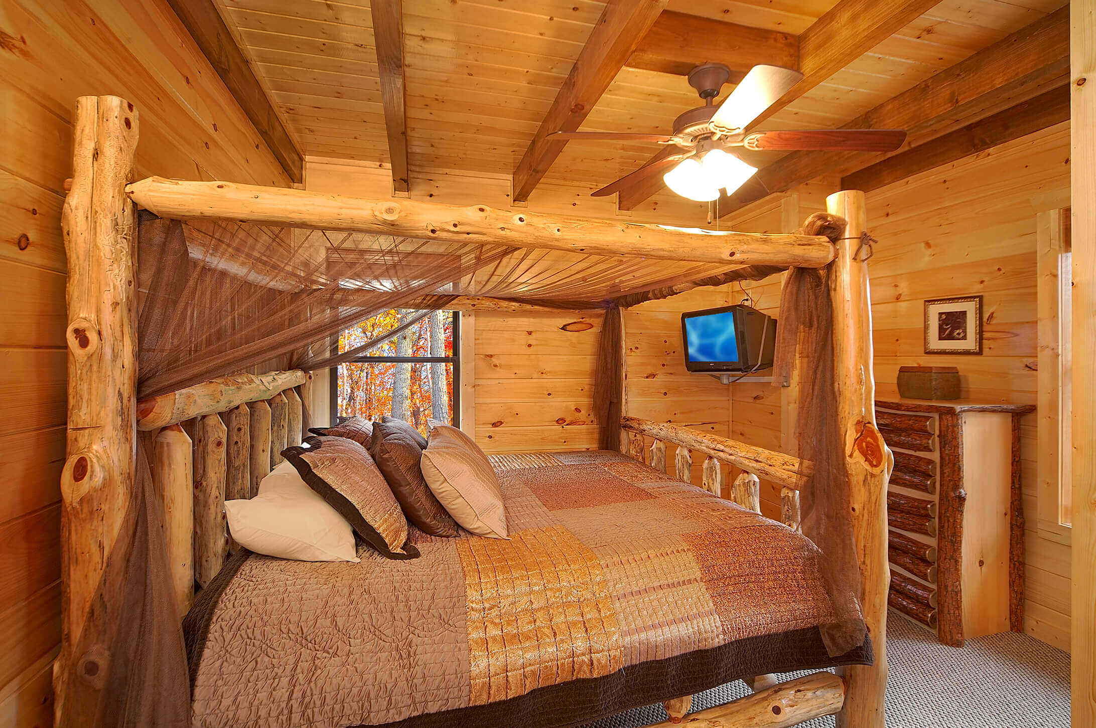 Grin and bear it 2 bedroom romantic cabin elk springs for Romantic big bear cabins