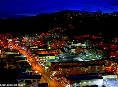 Downtwn Gatlinburg at Night