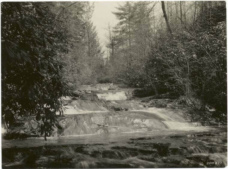 Gatlinburg History From The 1700 S Today Elk Springs
