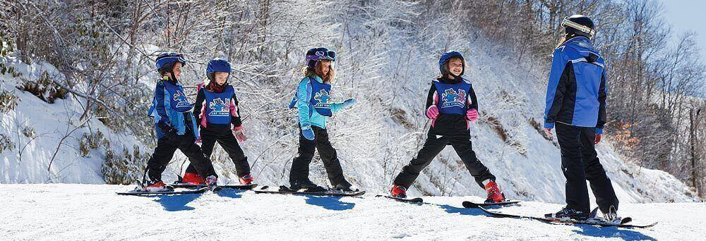 Cat Tracker Instructors Specialize In Teaching Kids Ages 4 12 Everything The Need To Know For Skiing And Snowboarding With Safety As A Top Priority