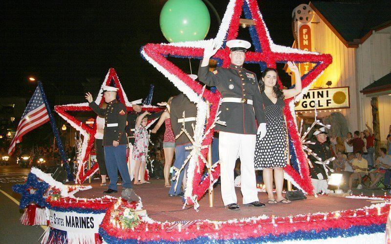 gatlinburg-midnight-fourth-of-july-parade