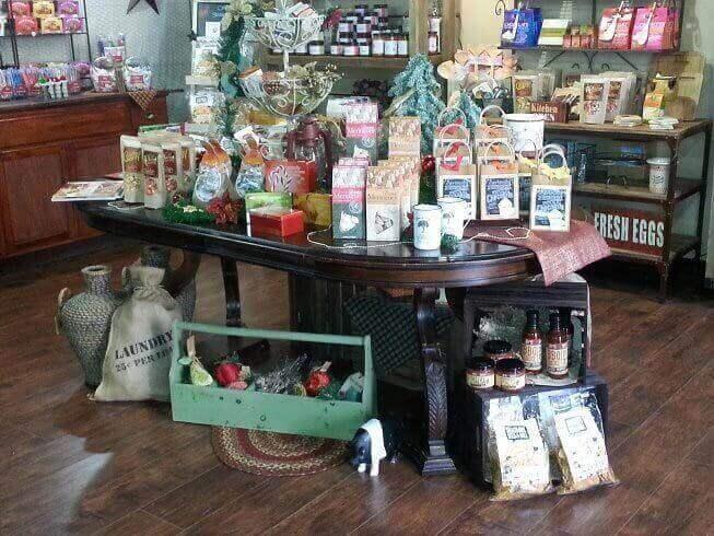 shopping-farmhouse-home-goods-decoration