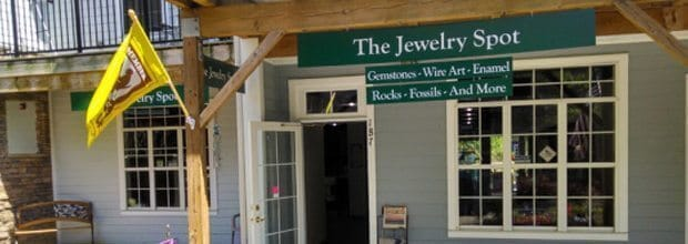 shopping-the-jewelry-shop