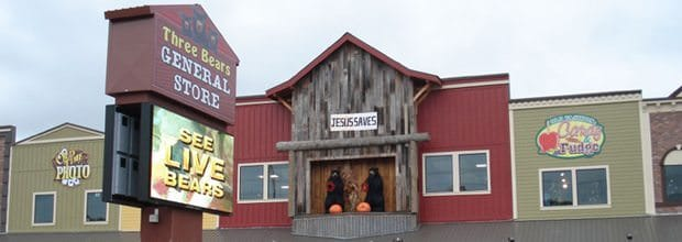 shopping-three-bears-general-store-storefront