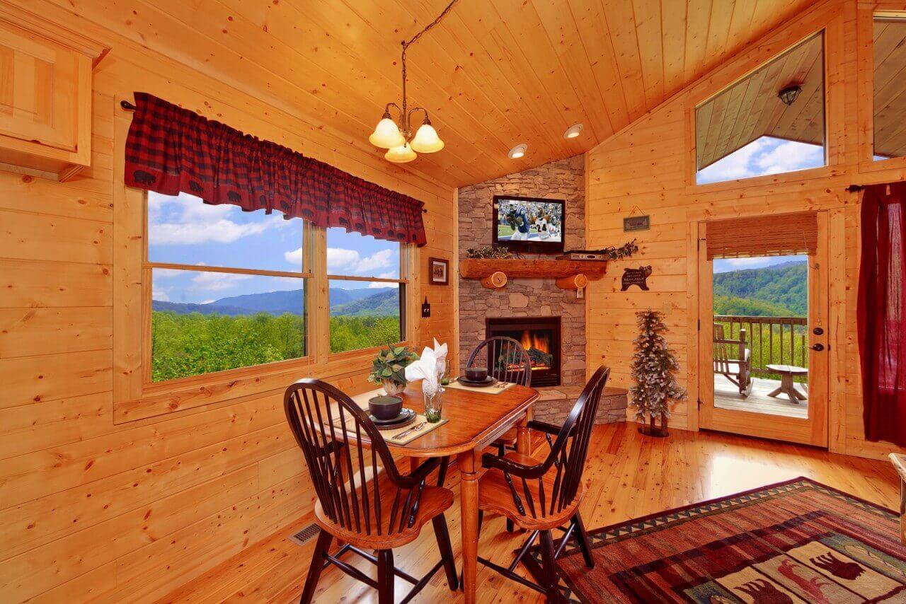Bear Den Cabin In Gatlinburg Elk Springs Resort