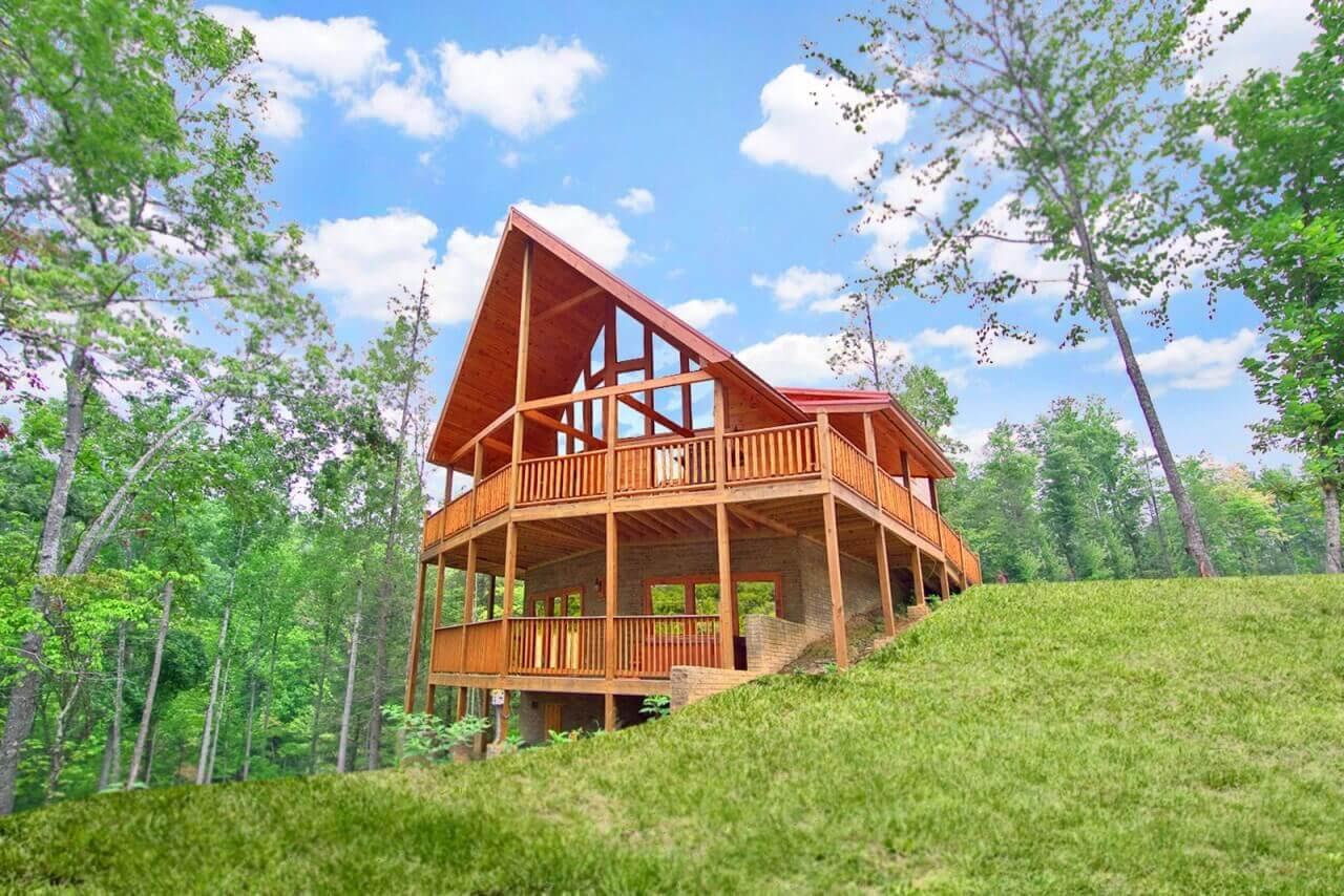Lazy Daze Lodge Cabin In Gatlinburg Elk Springs Resort