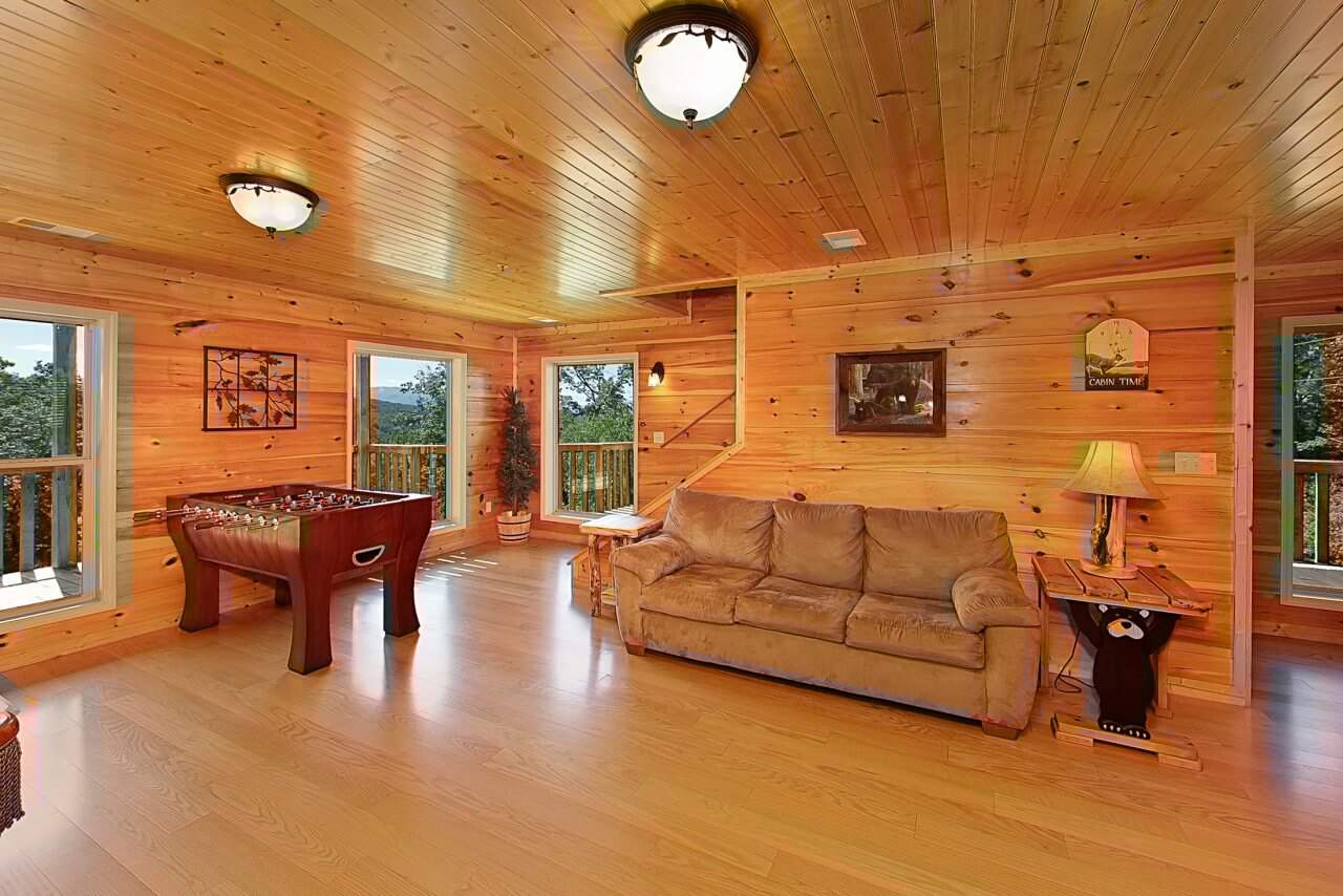 cabins indoor in cabin pet private groups friendly with large gatlinburg rentals cheap luxury pool tn dogs for
