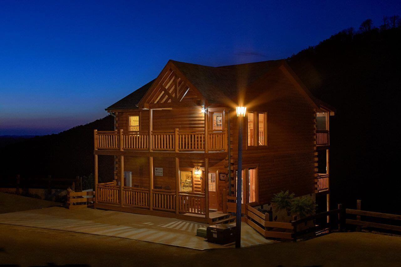 Splash Mountain Lodge Cabin In Wears Valley Elk Springs