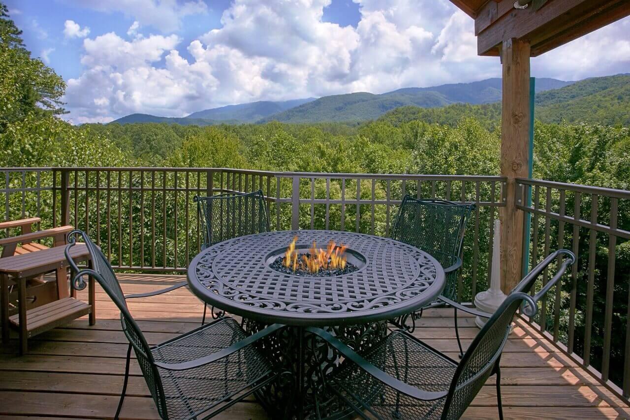 cabins gatlinburg pools elk for rent private lodge indoor springs mountain pool alpine es with resort