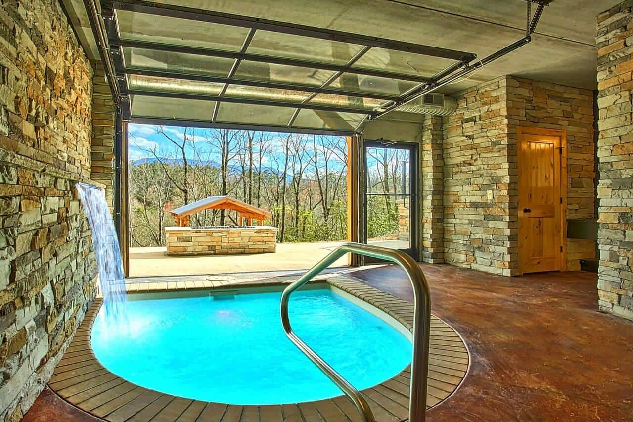 Urban cowboy cabin in gatlinburg elk springs resort for Cabin indoor pool