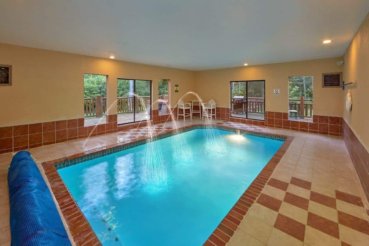 Uwoduhi pool lodge cabin in cosby elk springs resort - Holiday homes with indoor swimming pool ...